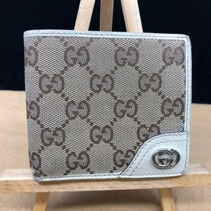 GG267 GG Canvas Bifold Wallet